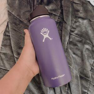 32 Oz Dark Purple HydroFlask!